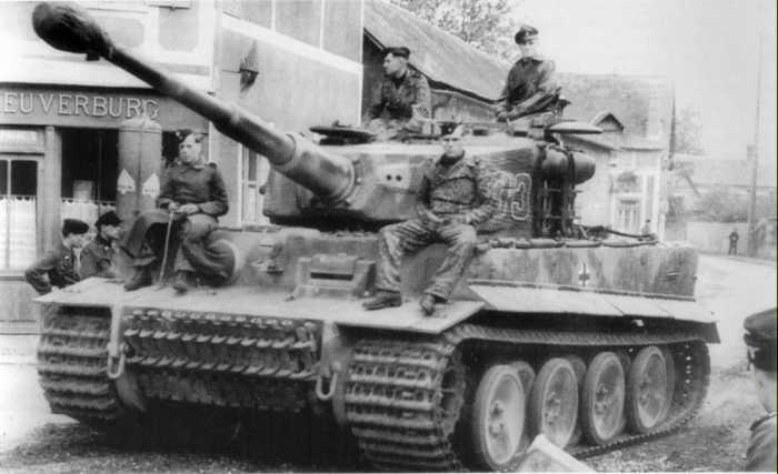 Tigre 1 mid production ouest for L interieur du char de vimoutier